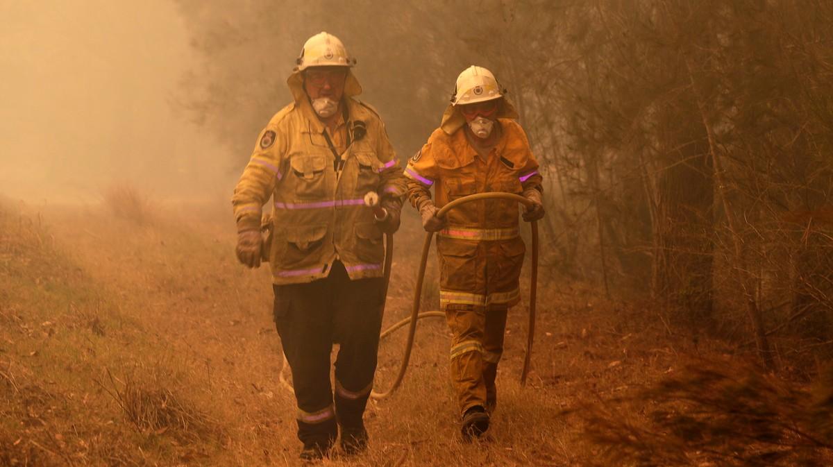 Australians Fear 'Mega Blaze' If Two Fires Join Forces: 'It's an Atomic Bomb'