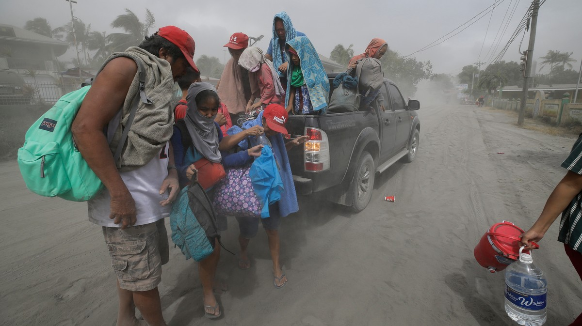A Volcano in the Philippines Is Erupting and the Government Is Ordering 'Total Evacuation' of a Half Million People