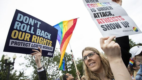 Supreme Court rules LGBT employees can sue employer for discrimination