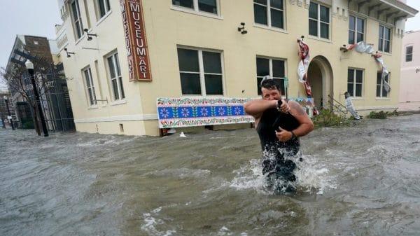 Huge floods, 'unreal' rain as Hurricane Sally hits US Gulf Coast |NationalTribune.com
