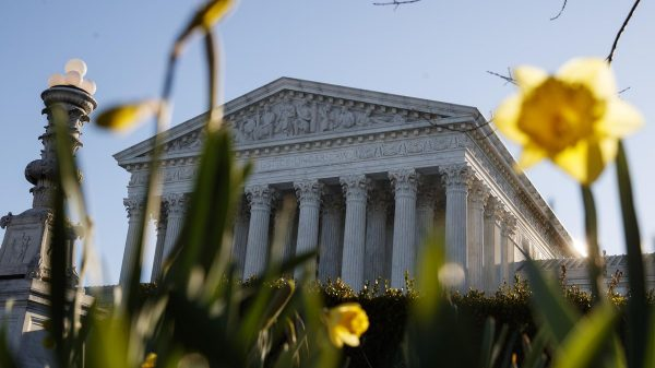 Supreme Court fight fires up campaign